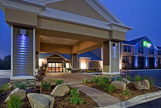 Holiday Inn Express Hotel & Suites Willmar: Exterior
