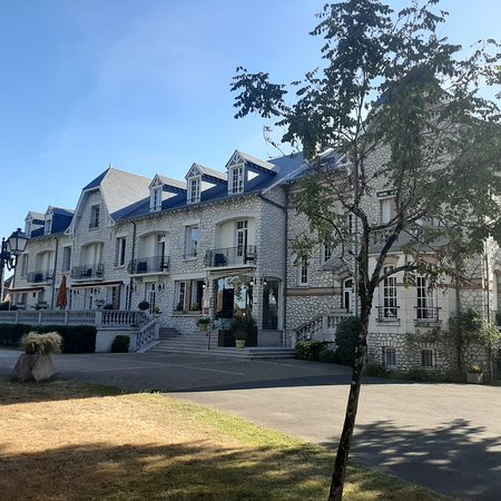 סאלבריס, צרפת: Hôtel Le Parc Sologne à Salbris
