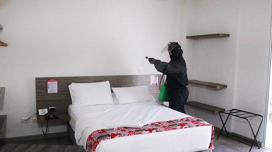 Realizamos desinfección de las habitaciones con el fin de garantizarle una estadía segura.
