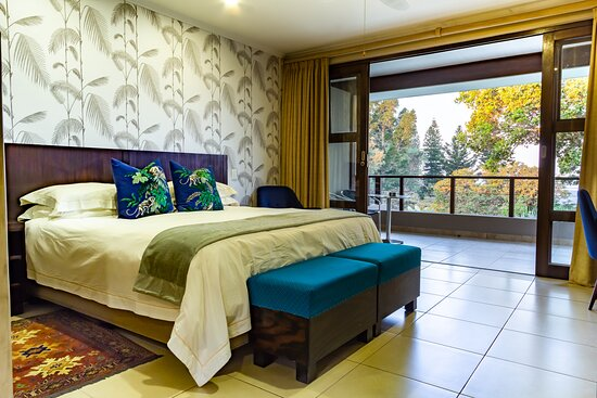 Mtunzini, Južna Afrika: The Monkey room which is one of 6 upstairs rooms with magnificent views over the indigenous forest and sea. All en suite with their own entrances and balconies