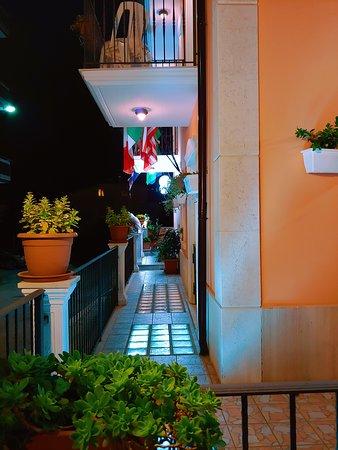 Facciata Principale - 카리에라 호텔, 산 조반니 로톤도 사진 - 트립어드바이저