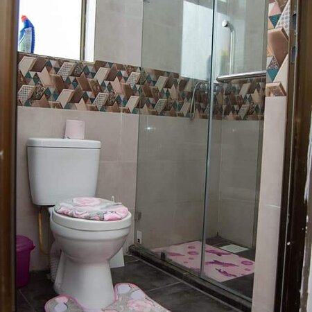 COSSY HOMES -NAKURU Introducing tastefully  furnished Apartments available for rent for both longterm and shorterm stays in nakuru amani Apartments naka...... The apartment is a 2 bedroom apartment  with 3 beds each king size  and can host upto 6 people.....the Apartment is airy and has a great balcony  with great views overlooking lake nakuru .... The TV is a smart 55inch TV and  is connected to Zuku....The internet is available and fast... Make a date with us and enjoy our  your stay.... Conta