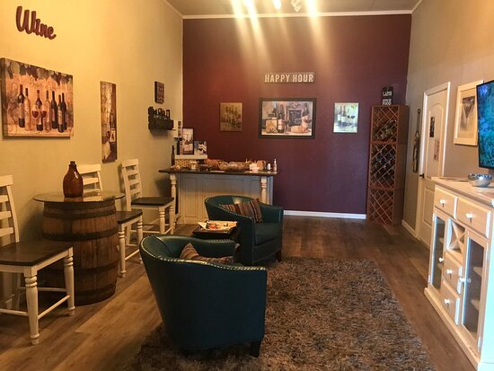 Wine & Unwind Day Spa / Lounge