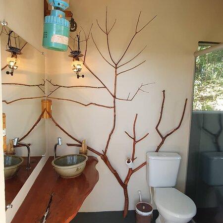Banheiro exclusivo para o espaço de camping!! Não é banheiro compartilhado!!