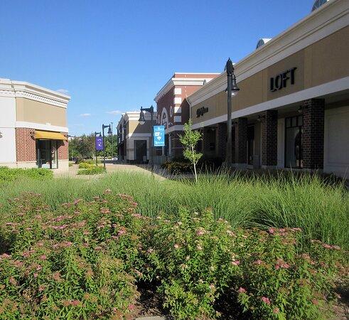 the Shopps at Grand Prairie. Peoria IL, July 2020
