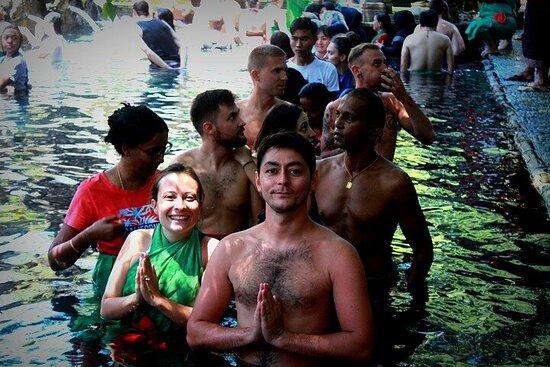乌布:壮观的瀑布和寺庙之旅