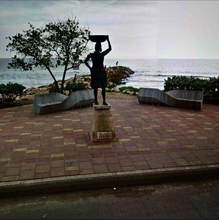 Monumento a la Palanquera