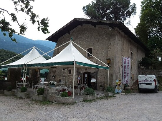 Bar gelateria Castel Toblino