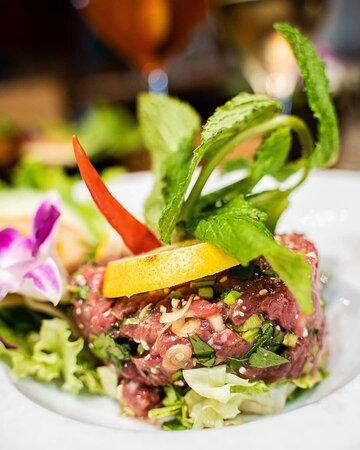 Salade de bœuf cru à la citronnelle