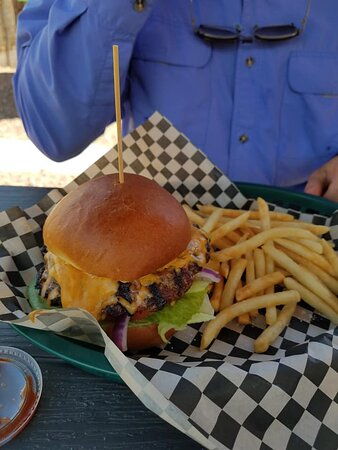 Drummond, MT: My husband's cheeseburger