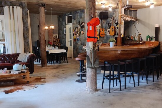 Hippolytushoef, Países Bajos: Ontbijtruimte en avond lounge