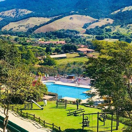 Virginia: Você quer jacuzzi com vista para as montanhas, @? O Hotel Fazenda Vale da Mantiqueira está localizado em Virgínia, Minas Gerais, e agrada a todos os públicos, de todas as idades. Desde os trilheiros e amantes da natureza até os que desejam apenas relaxar com as diversas opções de lazer do hotel. E ai, partiu ?  Olha que super oferta: http://viajar.hu/hotelfazendatripp 📍😍😉❤🔝