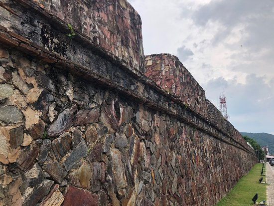 ‪Songkhla City Wall‬
