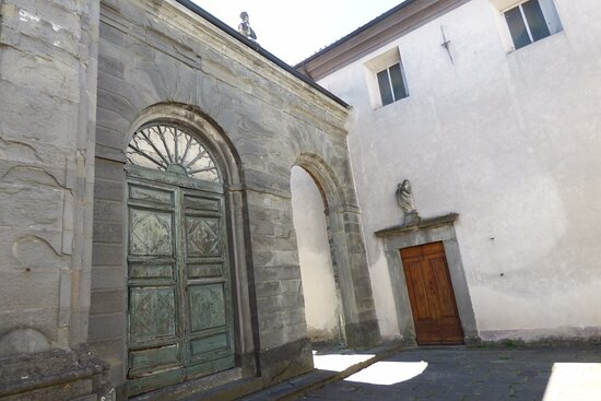 Esterno Pieve di San Giovanni Battista, Pieve Fosciana, Italy