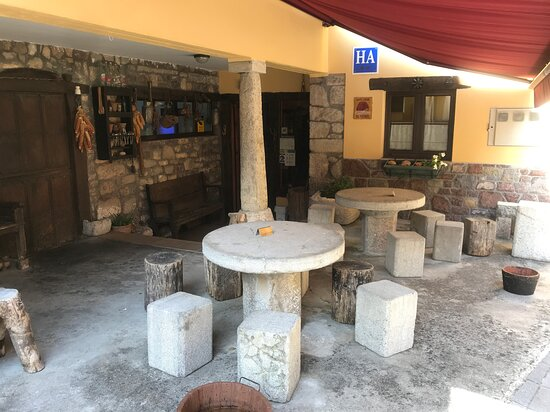 Somiedo Municipality, Spain: Un rincón, de los muchos. Será por piedra...