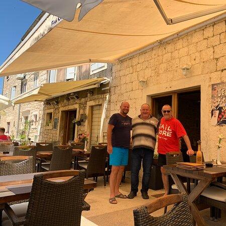 Super reštaurácia Albatros na ostrove Hvar v meste Starigrad