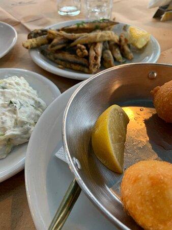 Erstes mal in Griechenland, welches Restaurant darf nicht fehlen?  Bridges Tarverna!