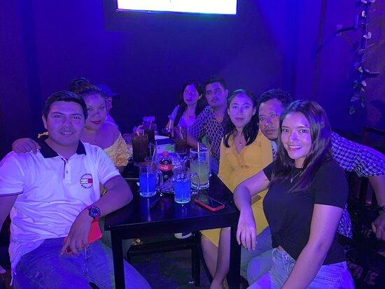 House4Life Bar en Paraíso, Tabasco! Ubicado dentro del Restaurante Chely, pequeño Bar especializado en Snacks, Cervezas y Mezcal! Amenizado por la mejor música electrónica y ritmos urbanos!