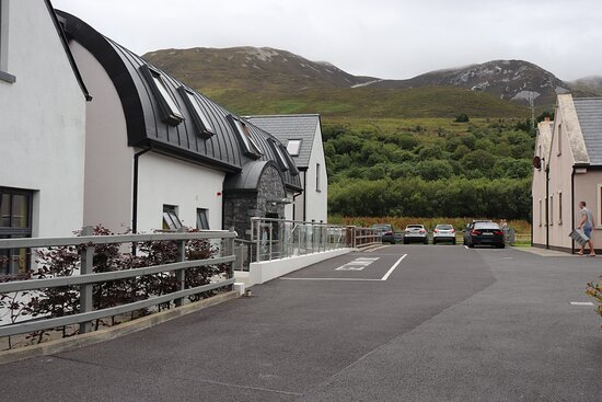 Murrisk, Ireland: Croagh Patrick Hostel and Cottages Complex.