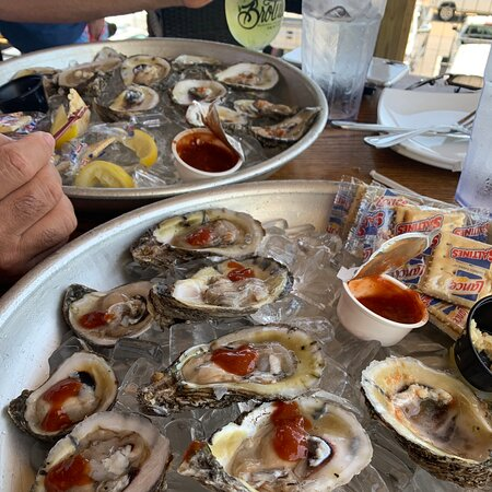 Amazing oysters and cocktails.