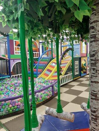 Ust-Ordynsky, Russie : Игровая комната для детей в 200 кв.м.