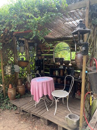 The most beautiful tranquil tea shop with garden seating. Junk toys for the kids and ongoing art exhibitions. So cool!!!