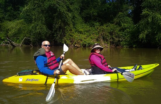 Horse Shoe, NC: Setting off on our French Broad River kayak adventure