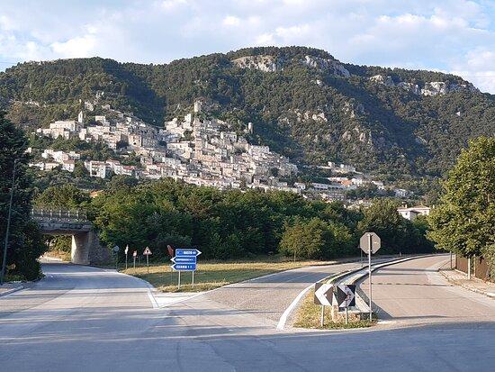Borgo medievale di Pesche