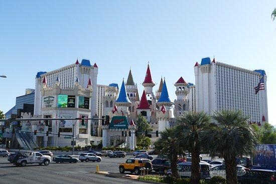 Excalibur Hotel bei Tag