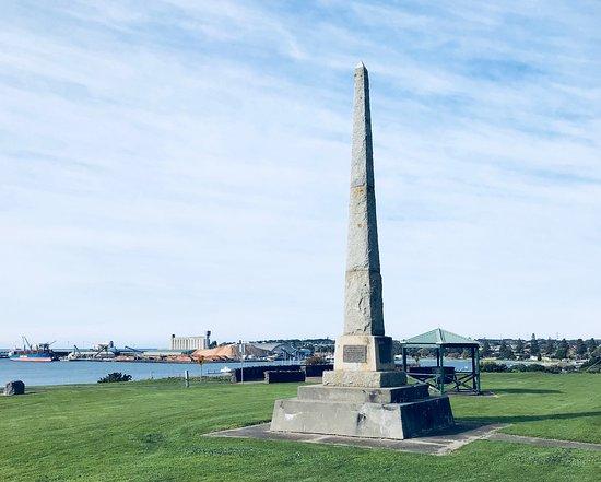 Henty Memorial