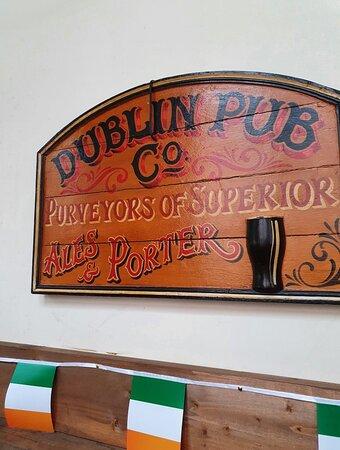 Molly Malones Pub in Stanley Street Quarter