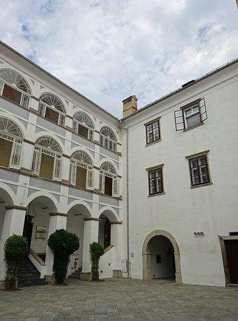 Ormoz Castle : Schloss Ormoz, Innenhof