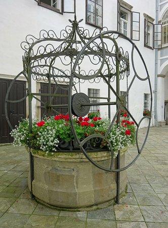 Ormoz Castle : Ziehbrunnen, Schloss Ormoz