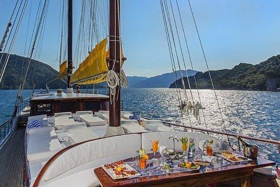 Crociera blu da uno yacht privato - Fethiye a Fethiye feat. Golfo di