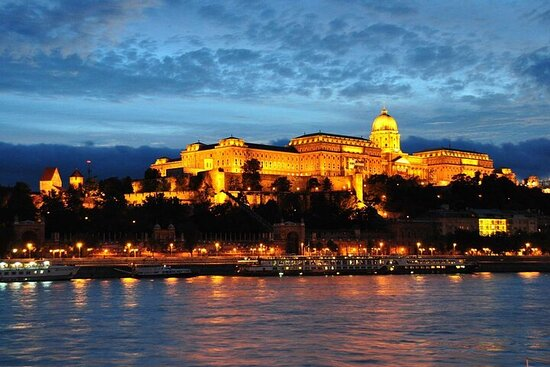 Balkans castles tour. 17 castles & fortresses in Hungary, Croatia and...