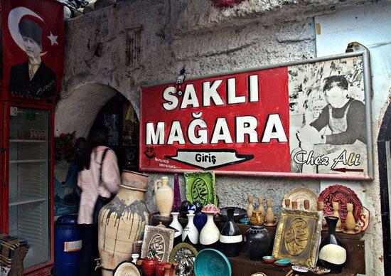 Avanos, Turcja: saklı mağara