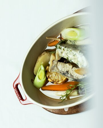 Fish dishes with fresh vegetables