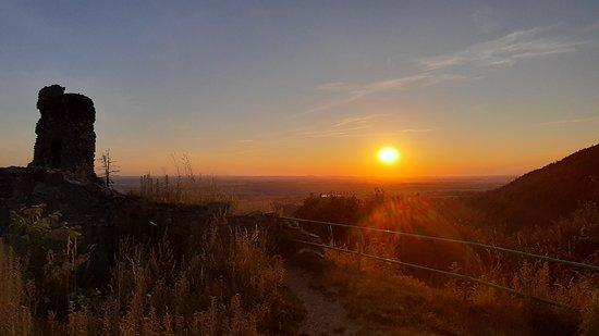 Tremosnice, Tjekkiet: Západ slunce u zříceniny