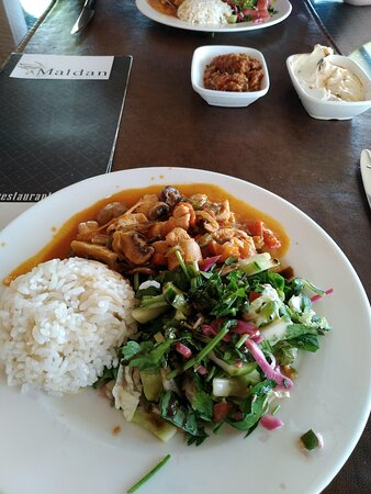 Maldan Restaurant: 6