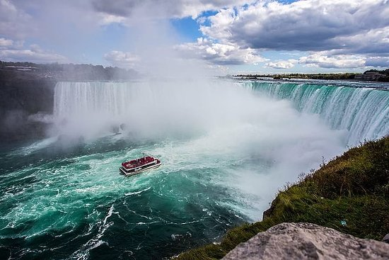 Private full day tour to Niagara Falls...