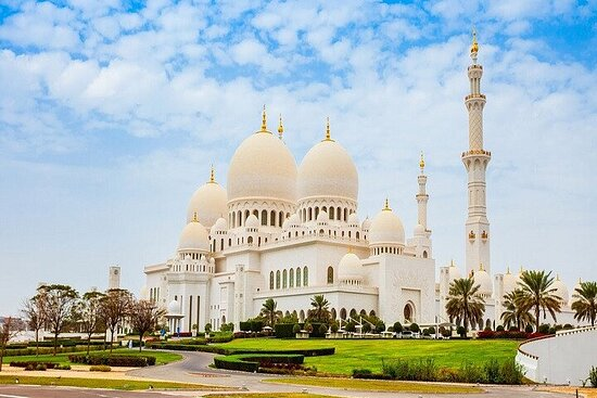 Full-Day Tour to Sheikh Zayed Grand...