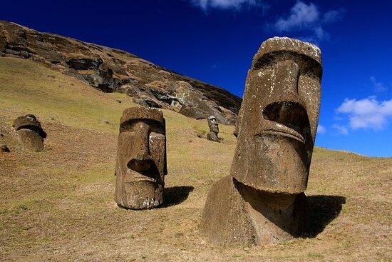 7-Day Santiago & Easter Island Tour