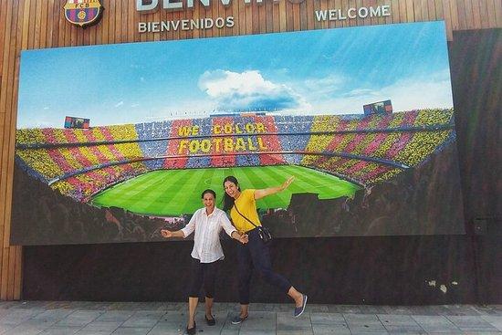 Barcelona Camp Nou y Shopping La Roca...