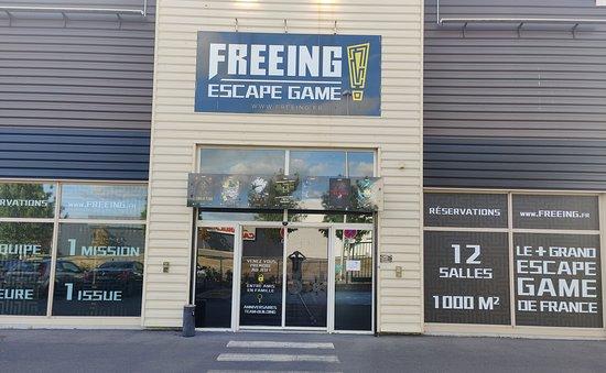 Saint-Maximin, Francja: Façade bâtiment Freeing 1