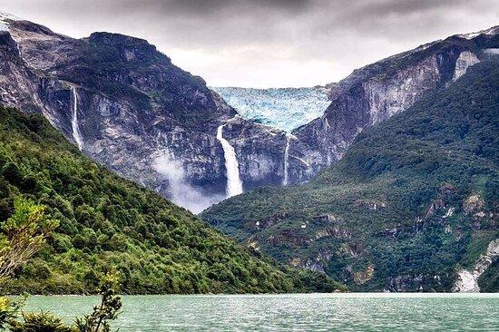 Private Tour Queular National Park In Coyhaique