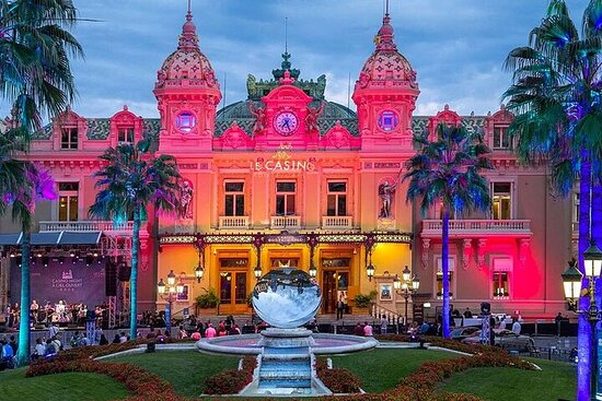 GUIDED TOUR: Monaco by night...