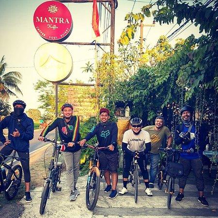 JU bike rider bali