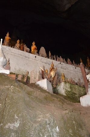 Ban Pak-Ou, Laos: Buddhas inside one of the caves