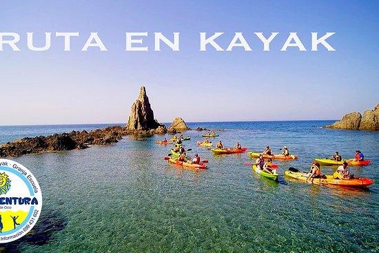Excursion de kayak et snorkeling à Cabo de Gata en Andalousie