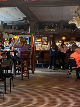 Port Sanilac, MI: Blue Water Sports Bar & Grill